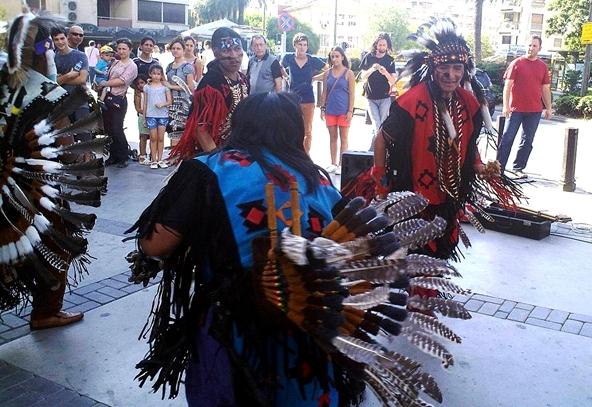 istanbul kültürel etkinlikler, kadıköy etkinlikler, kızılderili dansları, kızılderili müziği, sokak dansları