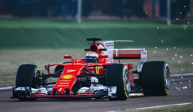Formula yarışları Japonya'da kıran kırana