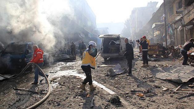 İdlib'de sivil halkın üzerine bomba yağdırdılar