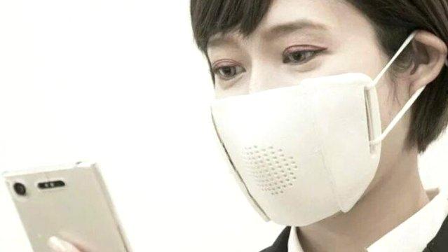 Konuşmayı 8 dile çeviren akıllı maske icat edildi